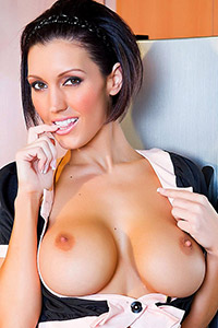 Dylan Ryder Naked in the Kitchen