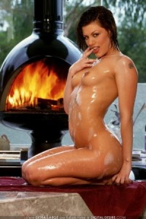 Jezebelle Bond Glistens By the Fire